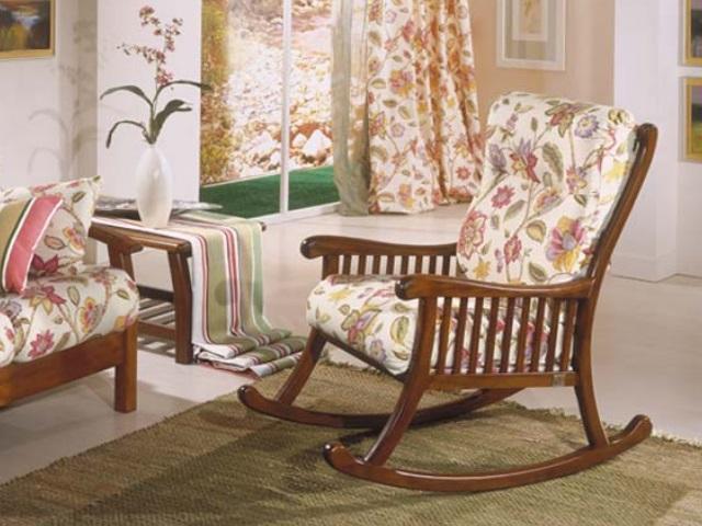 Divani e poltrone home arb divani divani letto for Poltrone relax in legno